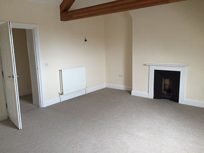Light coloured carpet in lounge