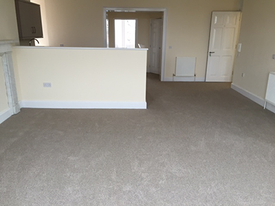Light carpet in openplan room