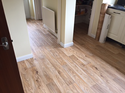 Wood effect vinyl flooring in kitchen